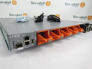 Juniper QFX5100-48S_back_Terabit_Systems